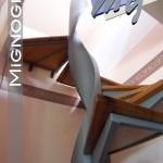 dettaglio intradosso gradini con cornice in acciaio verniciato e pedata in legno essenza rovere