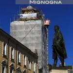 la guglia in restauro vista da Piazza Gabriele Pepe. Nuovi materiali, stessa forma, stessi decori a losanga