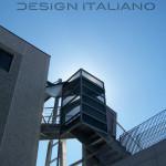 scala in acciaio di design per esterno, vista intradosso e pianerottolo per cambio di direzione