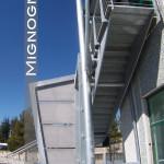 scala in acciaio ,design per esterno , vista dell'intradosso