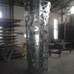 pilastro in lamiera pantografata calandrata e verniciata