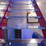alto design made italy per la scala lineare in acciaio e vetro temperato extrachiaro, dettagli in led e acciaio inox