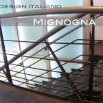 scala acciaio naturale e moderno, totem vetro illuminato , scala acciaio invecchiato, corrimano inox