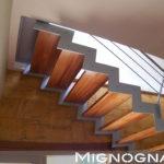 cosciali in acciaio verniciato, pedata legno rovere , intradosso legno