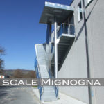 scala per esterno con tettoia, struttura in acciaio zincato